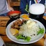 御食事処 山の五代 - 豚肉生姜焼きチョモランマ