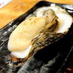 北海道さかな一途 直営魚問屋 - 仙鳳趾の焼き牡蠣
