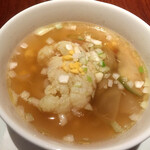 JOE'S SHANGHAI NEWYORK - カリフラワーと緑ザーサイの蒸しスープ