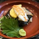 丸の内天ぷらめし 下の一色 - 日替わり海鮮丼 ご飯少なめ