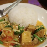 ゲウチャイ - 豆腐入りバジルご飯