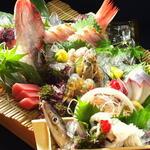 恒雅 - 京都の老舗料亭出身の料理長が組み立てる宴会コース。友人や夫婦のお食事、会社宴会にもおすすめです。お造りからおばんざい、天ぷら、煮付けなど、バランス良くお楽しみいただけます