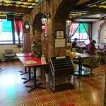 スパゲッ亭チャオ - 左が待合室