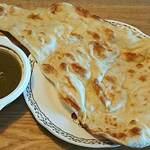 ムスカン - Indian Restaurant MUSKAN @西葛西 ランチ弁当 ほうれん草チキンカレー 税込500円 ナンを選んで