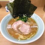武蔵家 - ラーメン 650円