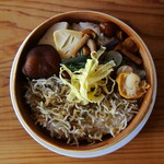 ベーコン工房 燻太 - 燻製シラスワッパ定食 ¥1200