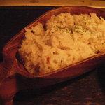 マファリカフェ - ライスはココナッツをくりぬいて作った器入り。