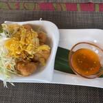 タイ料理ぺっぽい - プー・チャー(¥880) 豚ひき肉と海老・蟹のすり身揚げ