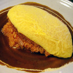 夢国籍料理 おちゃめなポテト - 料理写真:ふわふわオムライス