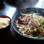 13470289 - 豚レバ野菜麺とミニチャーハン