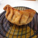 いたろう - 料理写真:津ぎょうざ(280円+税)
