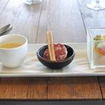 ソラカラ アクア ミネラーレ - ランチ 前菜(カボチャスープ/サラミ・フルーツトマト/季節野菜)