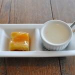 ソラカラ アクア ミネラーレ - ランチ デザート(オレンジタルト/パンナコッタ)