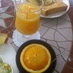 蔵茶房 かわらや - オレンジジュース600円