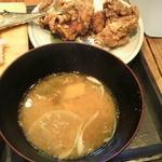 根室食堂 - 味噌汁とザンギ