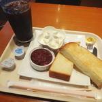 セルフリッチカフェ - 小倉トーストセットのアイスコーヒーMサイズアップ