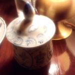 ヴォルール・ドゥ・フルール - テーブルのシュガーポット