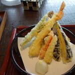 134739499 - 彩りの良い天ぷら