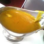 ニューダイカマ - 黄色く濃厚なカレールウ