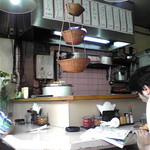 ニューダイカマ - 昭和な店内