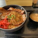 134743555 - R2年8月、豚丼大盛り(千円)
