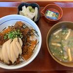 なか卯 - 料理写真:いくらあわび丼+つけもの味噌汁セット