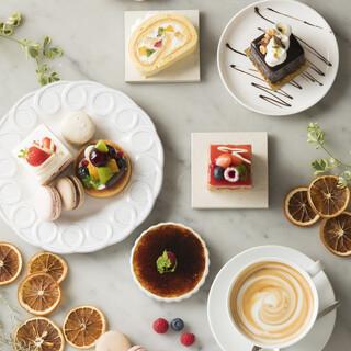 パティシエ特製のケーキ
