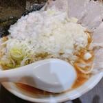 手打ち中華そば 酒田 - 料理写真:チャーシュー麺+玉ねぎ+身入り
