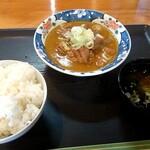 八千代 - もつ煮(小) 500円