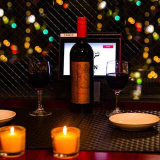 予約必須!!夜景が見えるロマンチックなテーブル席をご用意♪