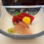 魚進 - 料理写真:お刺身マグロ、かんぱち