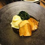 鳥良 - 豚の角煮 マッシュポテト添え
