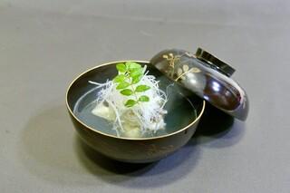 美味彩 - 卯月の会席(椀物)