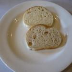 日光里 - 料理写真:自家製焼きたてパン