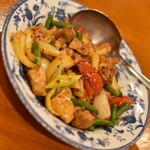 134771586 - 鶏肉の湖南風辛味炒め(990円)2020年8月