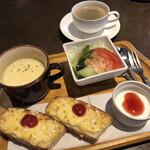 キッチンアンドカフェ ガヤ - スープモーニング420円