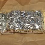 134773277 - アルミ箔に包まれてます
