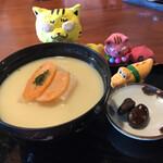桃太郎茶屋 - あんもち雑煮650円(税込)