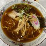 喜楽 - ラーメン 黒いスープが深みがあって美味し
