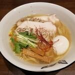 ニシキ イワモト・マツヤマ・ラーメンバー - 鯛塩らぁ麺 「寿」