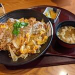 いっちょう - ジャンボチキンカツ丼(税込1098円)