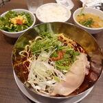 Aoyamashanwei - 柔らか豚足の麻辣まぜそば 1000円 +大盛り 100円