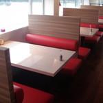 DEAR - 二階海側の落ち着いた雰囲気のテーブル席☆
