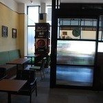 上島珈琲店 - 向こうの部屋はドッグOK