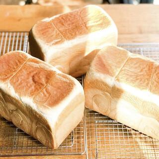 【毎朝店内で作る自家製食パン】選べる3サイズ!
