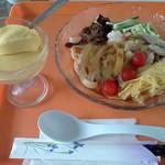 カラオケ一六八別館 - 麺+オカズかデザート一品+ドリンクのセット