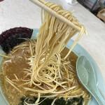 ラーメンショップ長沢 - 麺が・・・・(⌒-⌒; )
