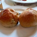 Resutorantoriibira - ぶどうパンとフランスパン