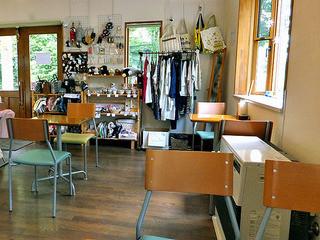 菓子工房クローバー - カフェスペース