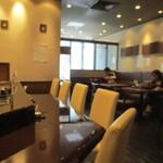 天ぷら ひさご - 店内、スペース感